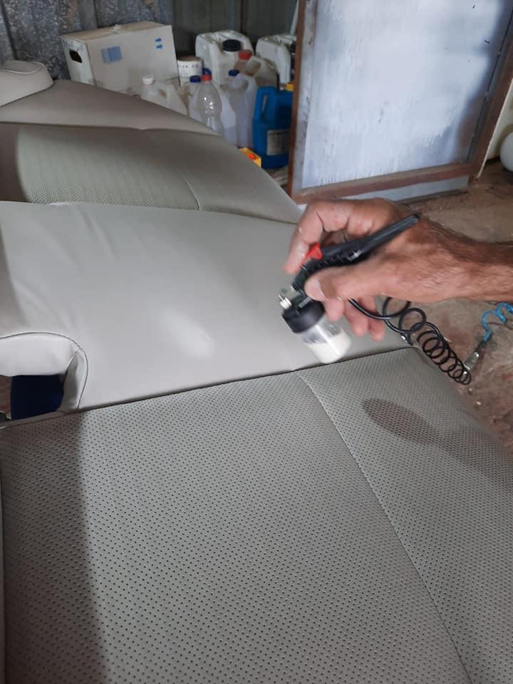 ניקוי ריפודי רכב תיקון קרעים